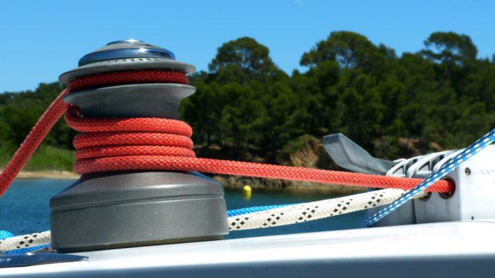 Naviguer en toute sérénité sur un bateau entretenu